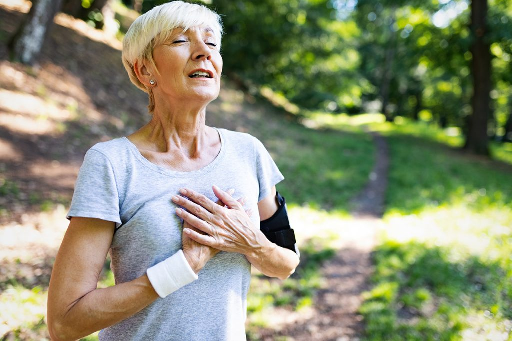 Study finds moderate carbohydrate intake a cardiovascular benefit for women.